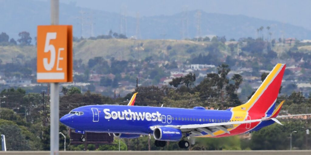 Leisure travel recovery 'in full swing,' helping airlines